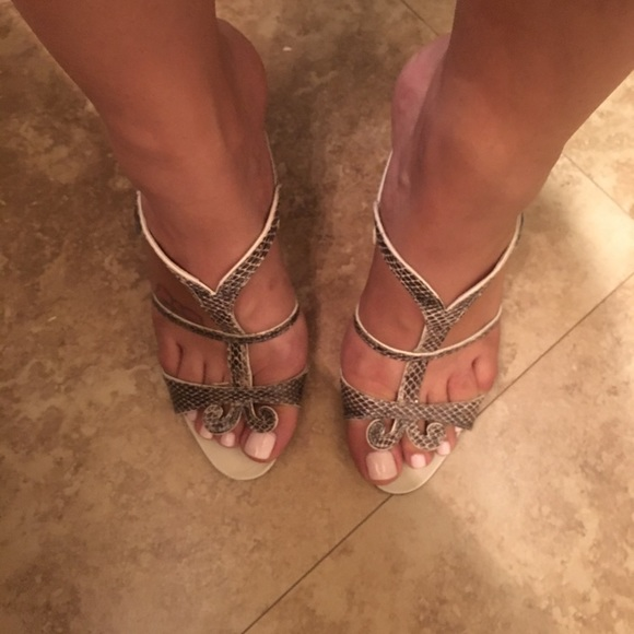 Manolo Blahnik Shoes - Authentic Manolo Blahnik heeled sandals